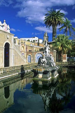 Fountain in the park of Palacio de Estoi, Estoi, Algarve, Portugal, Europe