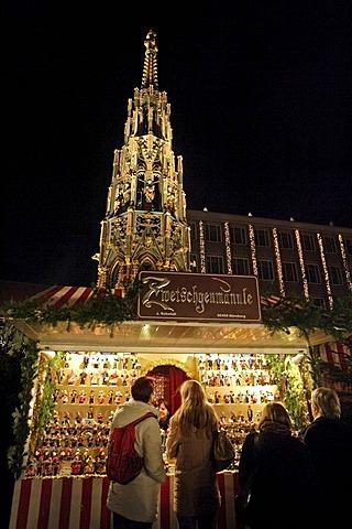 Christmas market, Hauptmarkt, Nuremberg, Bavaria, Germany, Europe