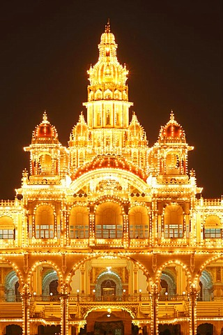 Detail of Maharaja's Palace, Mysore Palace, Amba Vilas, illumination on a Sunday with light bulbs, Mysore, Karnataka, South India, India, South Asia, Asia