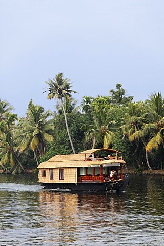 Houseboat on Kodoor River, backwaters near Alleppey, Alappuzha, Kerala, South India, South Asia, Asia
