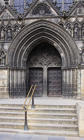 Portal of St. Giles Cathedral, Edinburgh, Scotland, United Kingdom, Europe