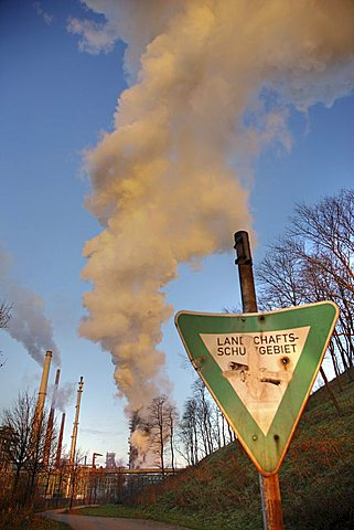 Smoke from smoke stacks, ThyssenKrupp Steelworks, Duisburg, North Rhine-Westphalia, Germany, Europe