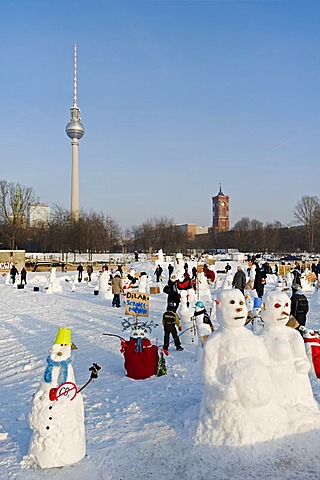 Snowman Demo 2010 on the Schlossplatz, Castle Square, Berlin, Germany, Europe