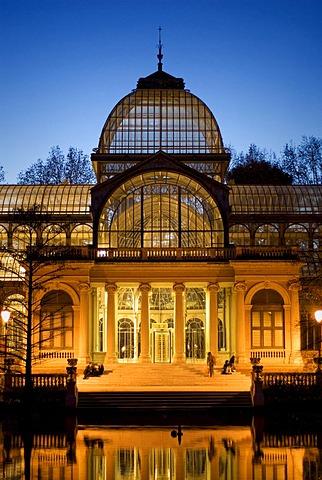 Palacio de Cristal, Crystal Palace, at dusk, Jardines del Buen Retiro, Retiro Park, Madrid, Spain, Europe