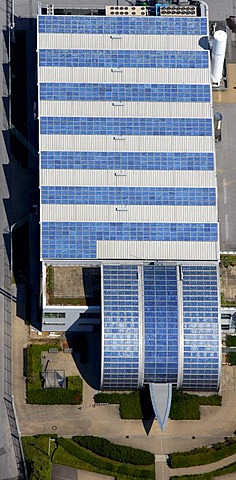 Aerial view, solar panels, solar factory Shell, Rotthausen, Gelsenkirchen, Ruhrgebiet region, North Rhine-Westphalia, Germany, Europe