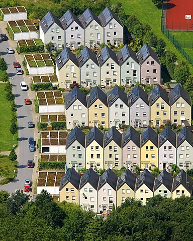 Aerial view, row houses, Solarsiedlung Bismarck solar village, Haverkamp, Gelsenkirchen, Ruhrgebiet region, North Rhine-Westphalia, Germany, Europe