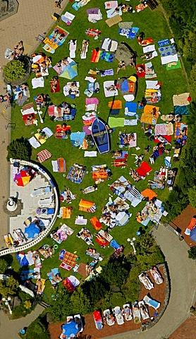 Aerial view, Wehofen, Niederrhein-Therme public pool, sauna, leisure centre, bathing, Marxloh, Duisburg, Ruhrgebiet region, North Rhine-Westphalia, Germany, Europe
