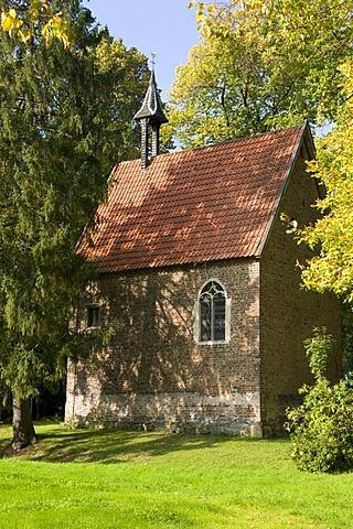 Chapel at Burg Vischering castle, Luedinghausen, Muensterland region, North Rhine-Westphalia, Germany, Europe