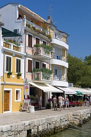 Restaurant on the beach promenade, Selce, Kvarner Gulf, Croatia, Europe
