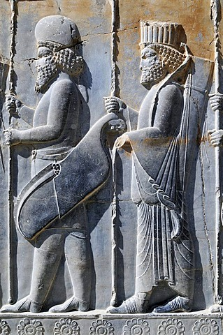 Bas-relief of Persian and median soldiers at the Achaemenid archeological site of Persepolis, UNESCO World Heritage Site, Persia, Iran, Asia