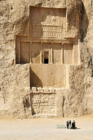 Royal tomb of King Darius I. at the Achaemenid burial site Naqsh-e Rostam, Rustam, near the archeological site of Persepolis, UNESCO World Heritage Site, Persia, Iran, Asia