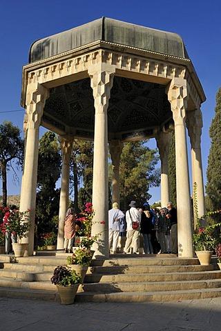 Mausoleum of the famous Persian poet Khwaja Samsu d-Din Muhammad Hafez-e Sirazi, Shiraz, Fars, Persia, Iran, Asia