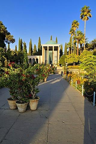 Mausoleum of the famous Persian poet Abu Muslih bin Abdallah Shirazi, Saadi, Saadiye, Shiraz, Fars, Iran, Persia, Asia