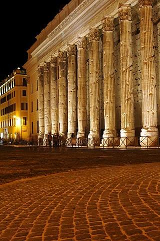 Tempio Adriano, Rome, Italy, Europe