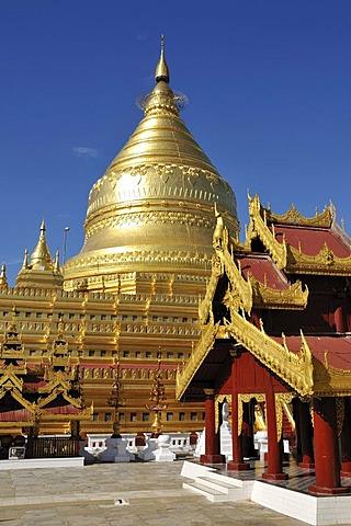 Shwezigon Pagoda, Nyaung U, Bagan, Burma, Myanmar, Southeast Asia