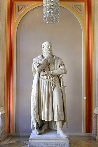 Bavarian State Library, first floor, statue of Albrecht V, Duke of Bavaria, Munich, Bavaria, Germany, Europe
