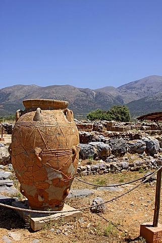 Clay jugs and jars, Malia Palace, Minoan excavations, archaeological excavation site, Heraklion, Crete, Greece, Europe