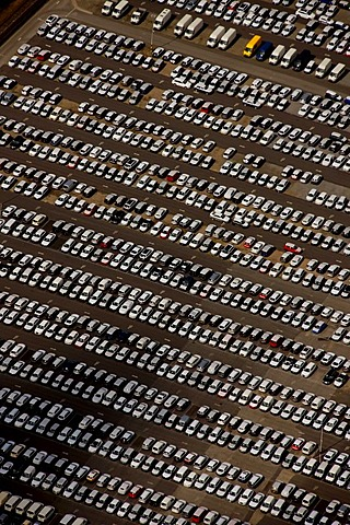 Aerial photo, distribution parking lot Porsche Mercedes, Essen, Ruhrgebiet area, North Rhine-Westphalia, Germany, Europe