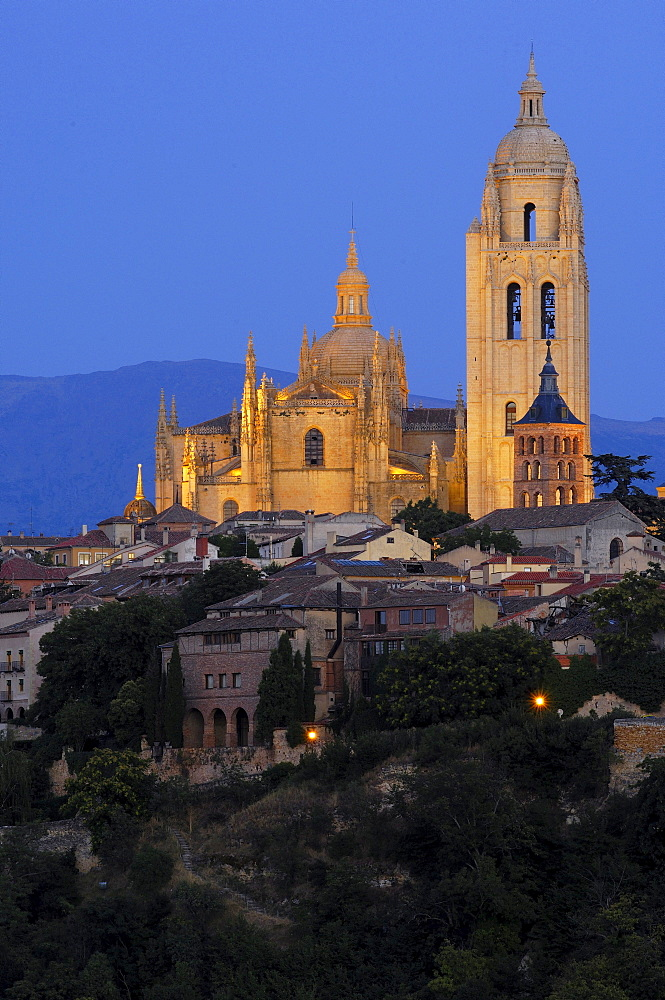 Cathedral at dusk, Segovia, Castilla Leon, Spain, Europe