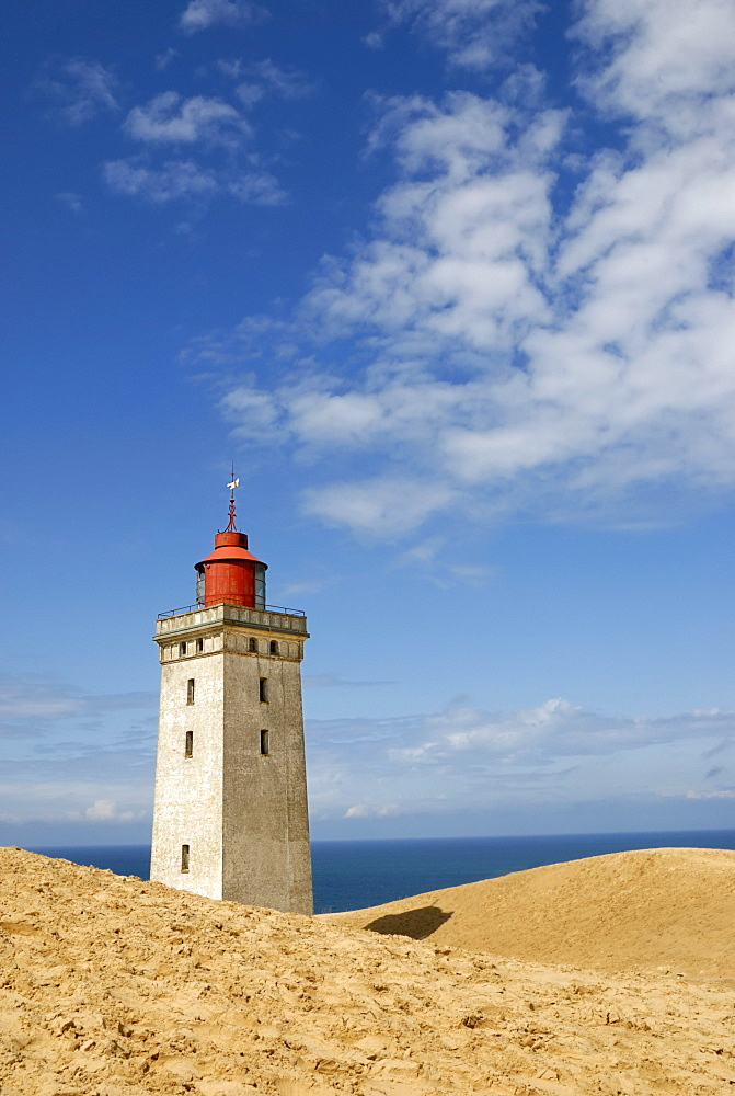Wandering dune and lighthouse at Rubjerg Knude, Jammer Bay, Hjorring, Northwestern Jutland, Vendsyssel, Denmark, Scandinavia, Europe