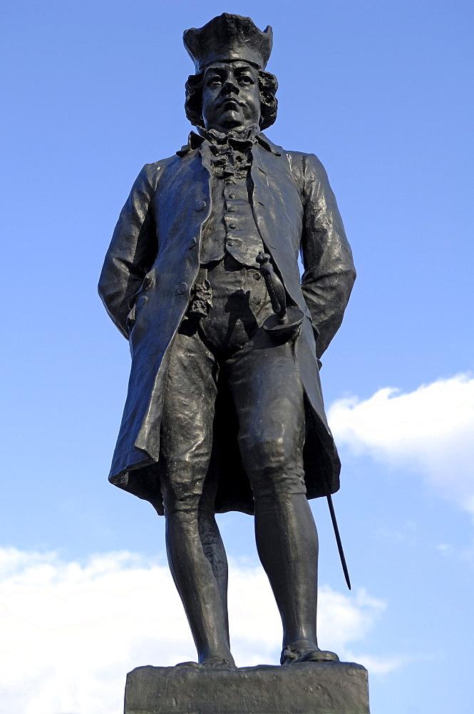 Monument to James Boswel, Scottish poet, 1740 - 1795, Market Street, Lichfield, Staffordshire, England, UK, Europe