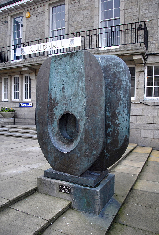 Modern sculpture by Barbara Hepworth, City Hall, Guild House, artist's town, coastal town, St. Ives, Cornwall, southern England, England, UK, Europe