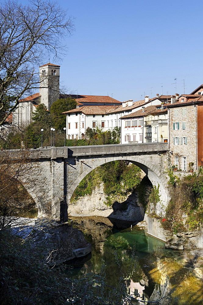 Church San Francesco with the bridge of the devil, Ponte del Diavolo above the river Natisone, Cividale, Friuli-Venezia Giulia, Italy, Europe