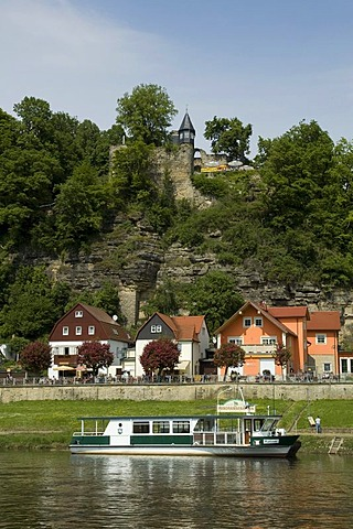 Kurort Rathen on river Elbe, Saxon Switzerland, Elbsandsteingebirge, Elbe Sandstone Mountains, Saxony, Germany