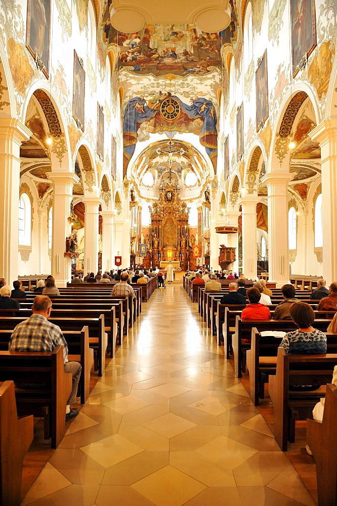 Service, Gothic, Baroque style, city parish church, Simultaneum, St. Martin, Biberach an der Riss, Baden-Wuerttemberg, Germany, Europe