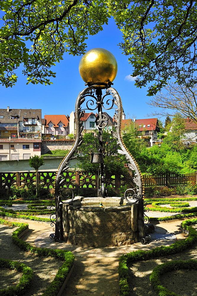 Draw well in the Katz'schen Garten garden, Gernsbach, Murgtal, Black Forest, Baden-Wuerttemberg, Germany, Europe