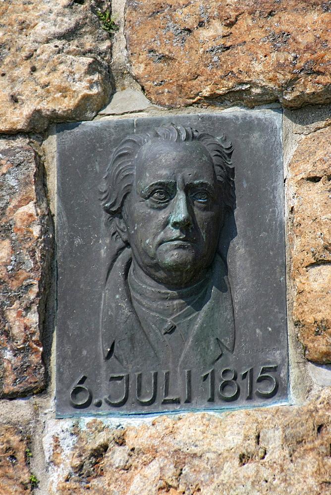 Bust of Johann Wolfgang von Goethe at the Goethestein obelisk in Frauenstein, Wiesbaden, federal state capital of Hesse, Germany, Europe