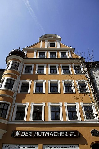 Old town house with a bay window, Regensburg, Upper Palatinate, Bavaria, Germany, Europe