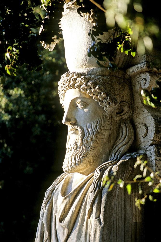 Sculpture at the gate to the Viale dei due Sarcofaghi, park of Villa Borghese, Rome, Lazio, Italy, Europe
