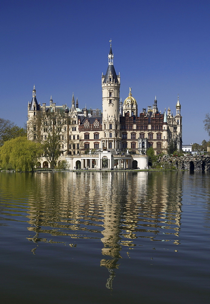 Schweriner Schloss castle, seat of the Landtag parliament of Mecklenburg-Western Pomerania, Federal Garden Show, Schwerin, Mecklenburg-Western Pomerania, Germany, Europe