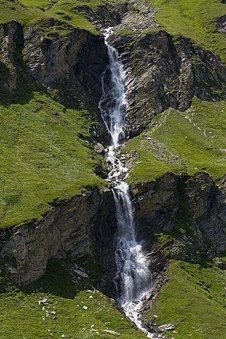 Nassfeld Waterfall, Franz-Josefs-Hoehe, Hohe Tauern National Park, Carinthia, Austria, Europe