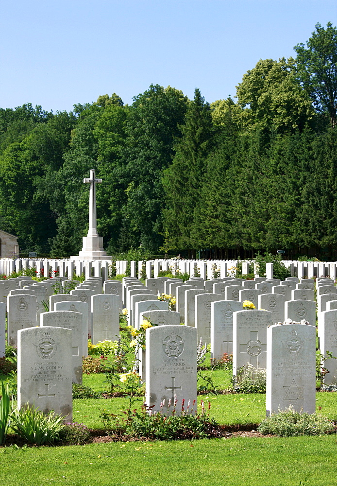 Durnbach war cemetery, war graves, 2960 soldiers killed in action, World War 2, Durnbach, Upper Bavaria, Bavaria, Germany, Europe