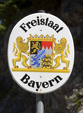 Border sign, Free State of Bavaria, in Eng, Tyrol, Austria, Europe