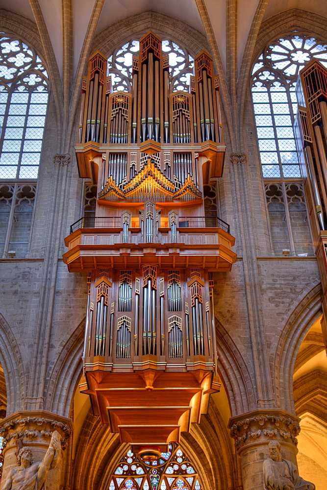 Organ in St. Michael and Gudula Cathedral, interior view, Brussels, Belgium, Europe