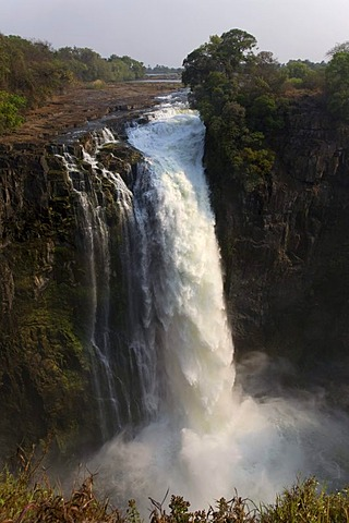 Victoria Falls, waterfalls of the Sambesi River, UNESCO World Heritage Site, Zimbabwe, Africa