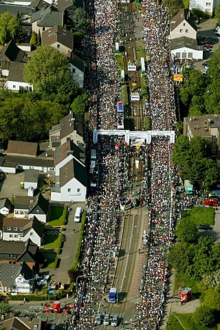 Aerial photograph, Ruhr Marathon in Wattenscheid, Ruhr Area, North Rhine-Westphalia, Germany, Europe
