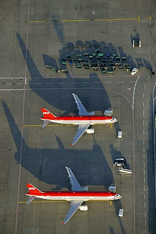 Aerial photograph of the preflight preparation of a LTU Holidays airplane, Duesseldorf Airport, Rhein-Ruhr-Flughafen, Duesseldorf, Nordrhein-Westfalen, Germany, Europe