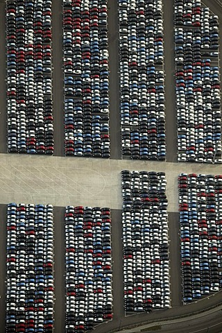 Aerial photograph, Logport Logistics Centre, cars parked ready for export, Duisburg, Ruhr Area, North Rhine-Westphalia, Germany, Europe