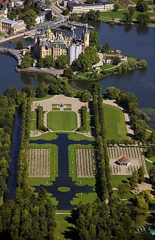 Aerial view, Schwerin Castle, baroque garden, compound of the German Federal Garden Show 2009, Schwerin, Mecklenburg lake district, Mecklenburg-Western Pomerania, Germany, Europe