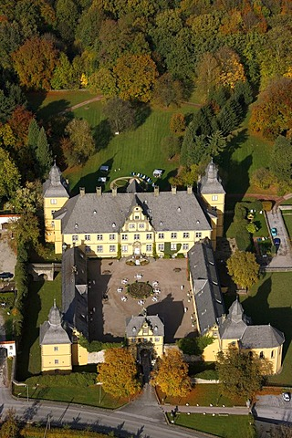 Aerial photo, boarding school, baroque Castle Eringerfeld, Geseke, Soest District, Soester Boerde, South Westphalia, North Rhine-Westphalia, Germany, Europe