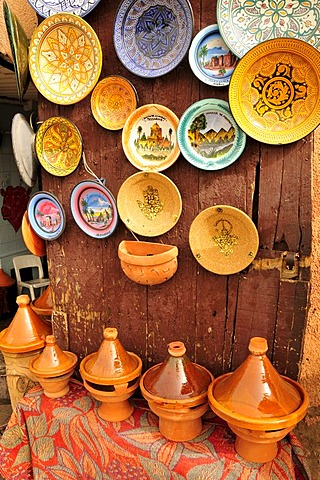 Pottery in a souvenir shop at Place Djemma el-Fna, Square of the Hanged, Square of the Jesters, Marrakesh, Morocco, Africa