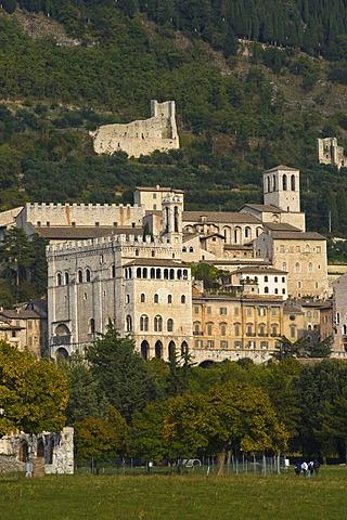 Palazzo di Consoli and the Duomo, view of town, Gubbio, Marche, Italy, Europe