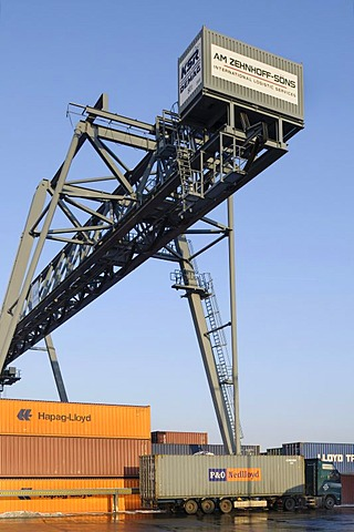 Containerterminal Bonn, lorry with container under portainer, Bonn Harbour, North Rhine-Westphalia, Germany, Europe