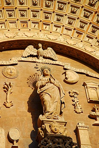Decoration at the main entrance of the predominantly Gothic west facade of the La Seu Cathedral, historic city centre, Ciutat Antiga, Palma de Mallorca, Mallorca, Balearic Islands, Spain, Europe