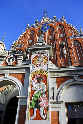 Entrance portal, House of the Blackheads, Melngalvju nams, Renaissance style facade with sculptures at Ratslaukums square in the historic town centre, Vecriga, Riga, Latvia, Baltic states, Northeastern Europe