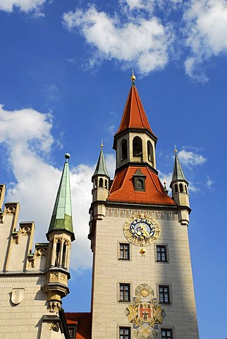 Old town hall, the reconstructed tower presently holds the toy museum, Marienplatz square, historic city centre, Munich, Upper Bavaria, Bavaria, Germany, Europe